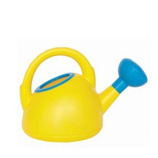 gelbe Gießkanne mit blauem Rand aus Kunststoff