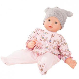 Babypuppe mit grauer Mütze und rosa Strampler