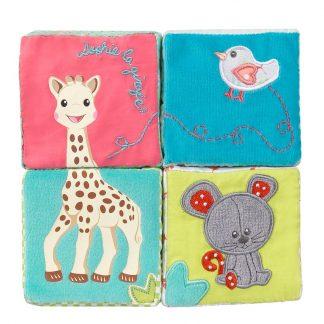 Vier Stoffwürfel von Sophie la girafe und ihren Freunden